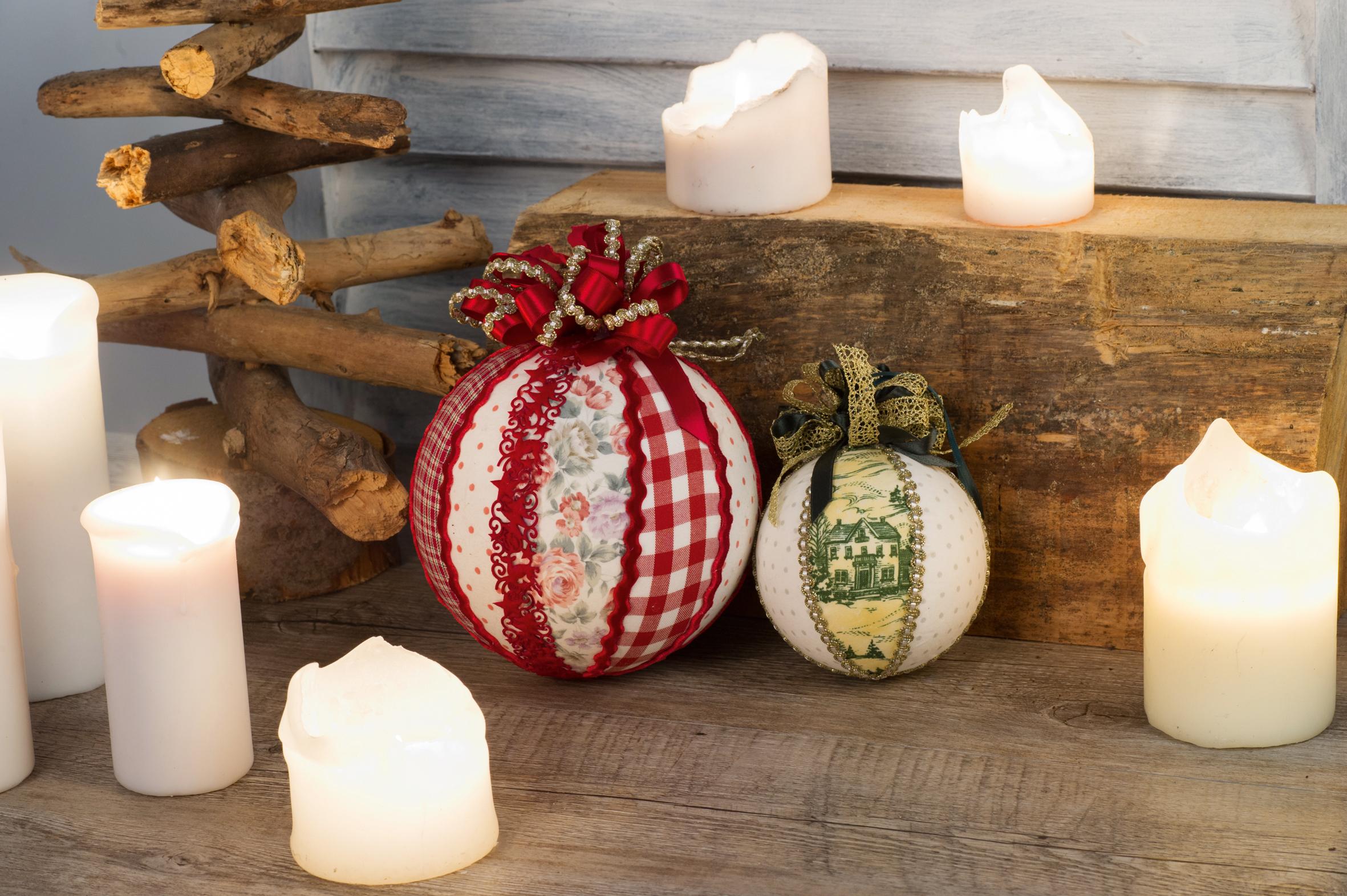 weihnachtskugeln von einfach berzogen bis aufw ndig bestickt. Black Bedroom Furniture Sets. Home Design Ideas